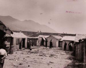 철거를 앞둔 부산미군사령부 지역 '위안소'의 모습(1)|1952.5.17. NARA 소장, 전갑생 제공