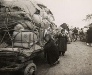 서울에서 남쪽으로 피란을 떠나는 수천 명의 사람들(3)|1951.1.5. NARA 소장, 전갑생 제공
