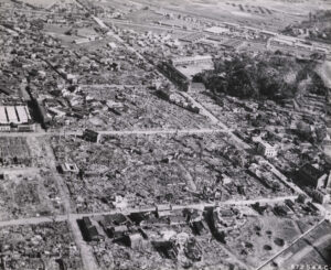 미 극동공군의 폭격에 의해 피해를 입은 원산의 모습|1950.10.14. NARA 소장