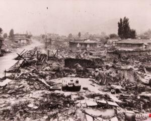 유엔군 전투기의 폭격과 기총소사 후 폐허가 된 구상동|1950.8.6. NARA 소장
