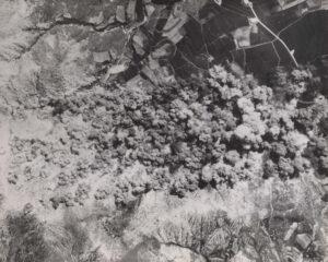 B-29 중폭격기 98대가 지상군을 지원하기 위해 왜관 지역을 폭격한 모습|1950.8.16. NARA 소장